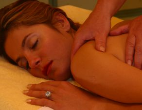 Back massage with Aroma-Oil