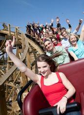Erleben Sie mit der ganzen Familie den Schwarzwald von seiner schönsten Seite.Besuchen Sie die atemberaubenden Attraktionen im Europa-Park! 12 Achterbahnen, viele Live-Shows, erfrischender Wasserspaß, Märchenland für die Kleinen, zahlreiche Spielplätze . . .