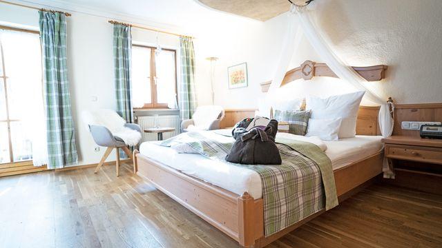 "Organic Romantic Double Room ""Lavender"" South"