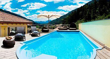 Last Minute: Suite lussuosa con piscina e sauna privatai