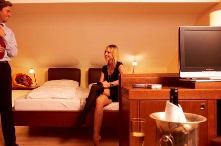 """Wohlfühltage im Wasserbett-Zimmer """"Aqua Relax"""""""