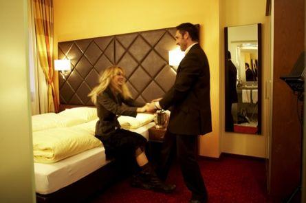 Verliebt, Verlobt, Verheiratet - Romantische Hochzeitstag-Überraschung