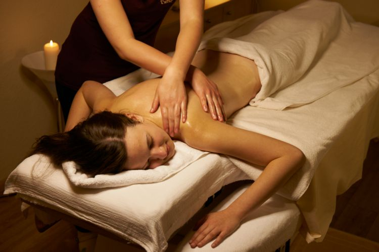 Wellness massage | with full body peeling